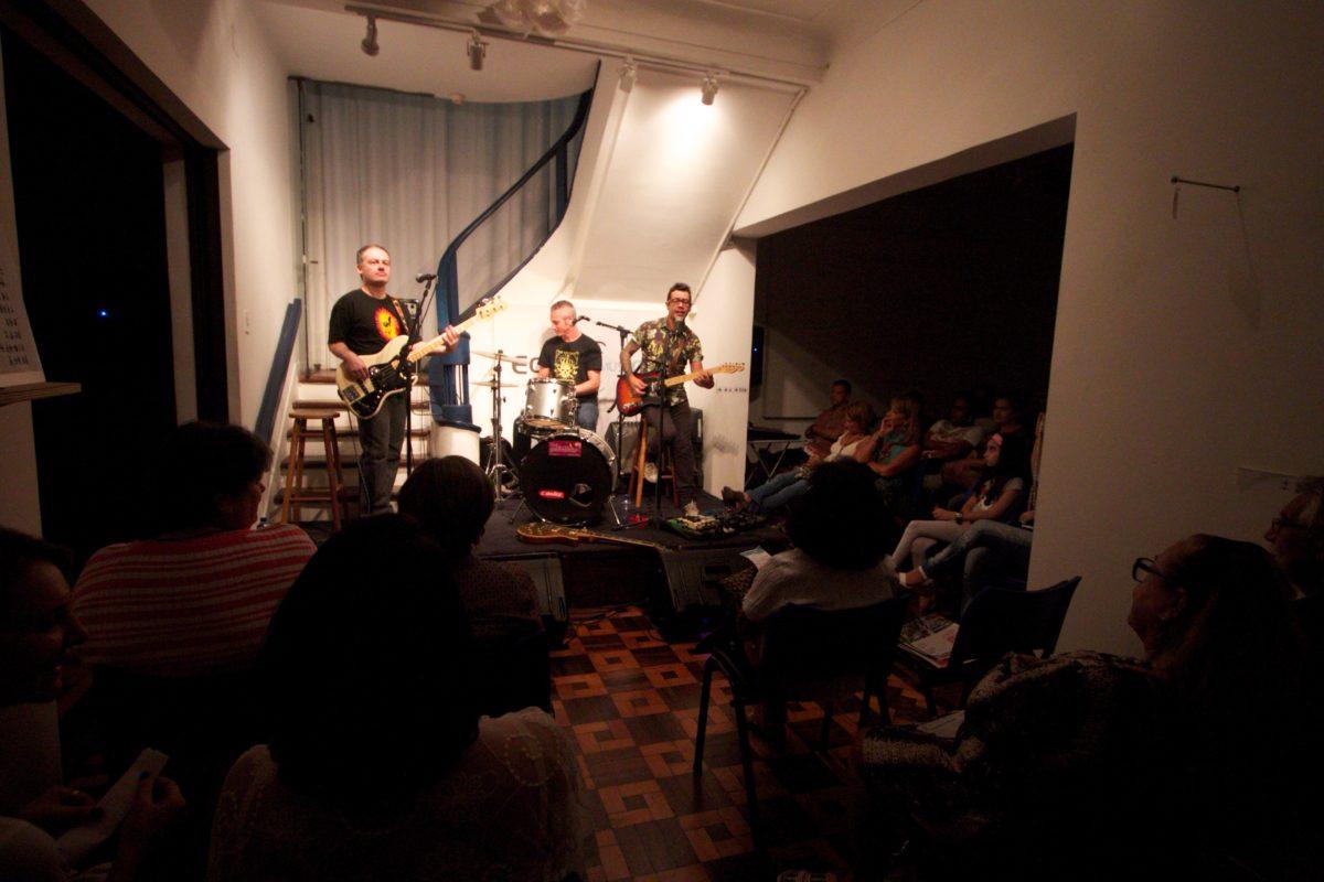 Luís Henrique Tchê Gomes apresenta Clássicos do Rock Gaúcho |