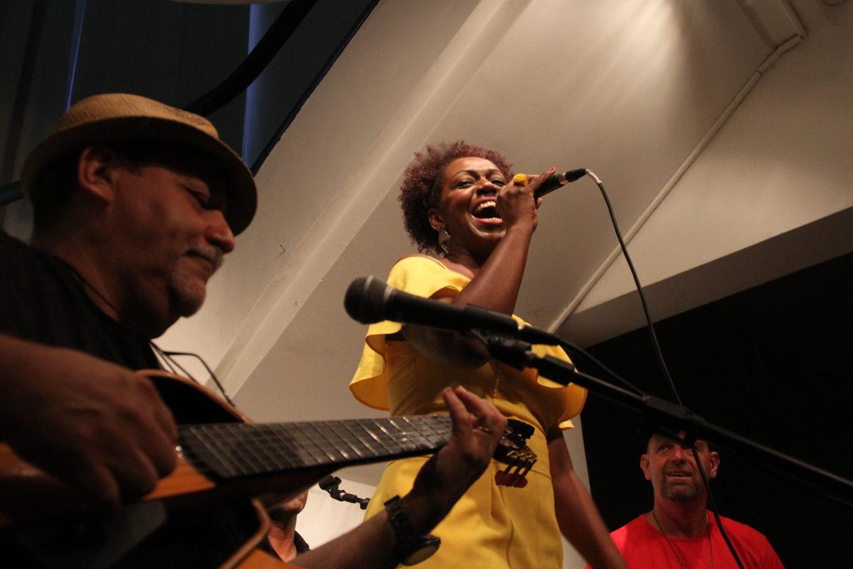 Silfarnei & os Amigos do Samba | Foto: Igor Sperotto