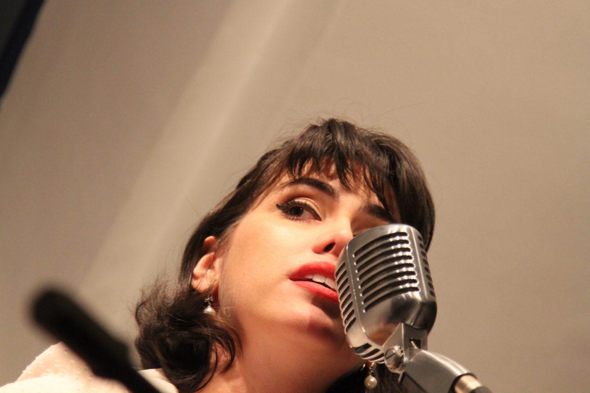 Música francesa por Luana Pacheco | Foto: Igor Sperotto