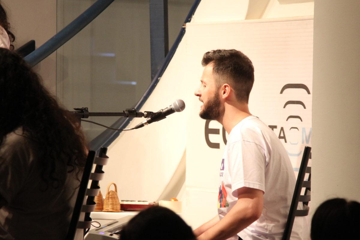 Alexandre Vieira apresenta o álbum Novo   Foto: Igor Sperotto