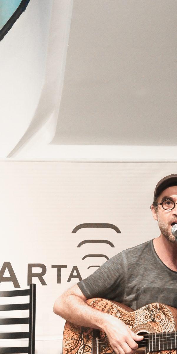 Kleber Albuquerque apresenta Audiocardiograma | Foto: Igor Sperotto