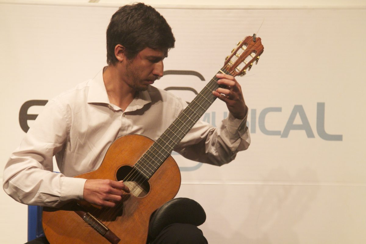Recital de Carlos Bica | Foto: Igor Sperotto