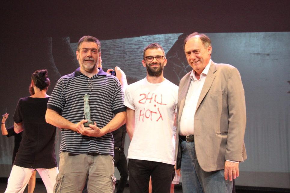 O artista Chico Machado, o curador Leo Felipe e o presidente da Ecarta Marcos Fuhr | Foto: Igor Sperotto