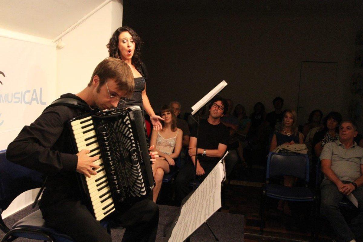 Duo de canto lírico e acordeon | Foto:Igor Sperotto