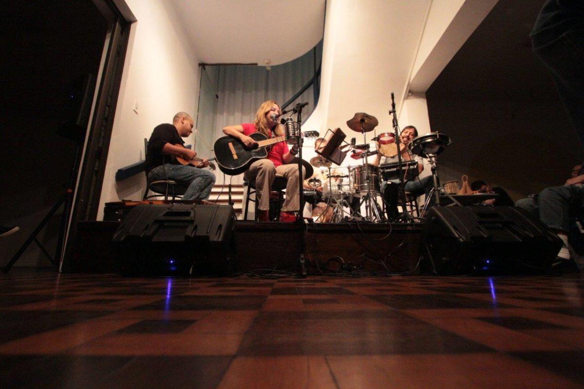 Sambas e canções no show do Brasinaria   Fotos:Igor Sperotto