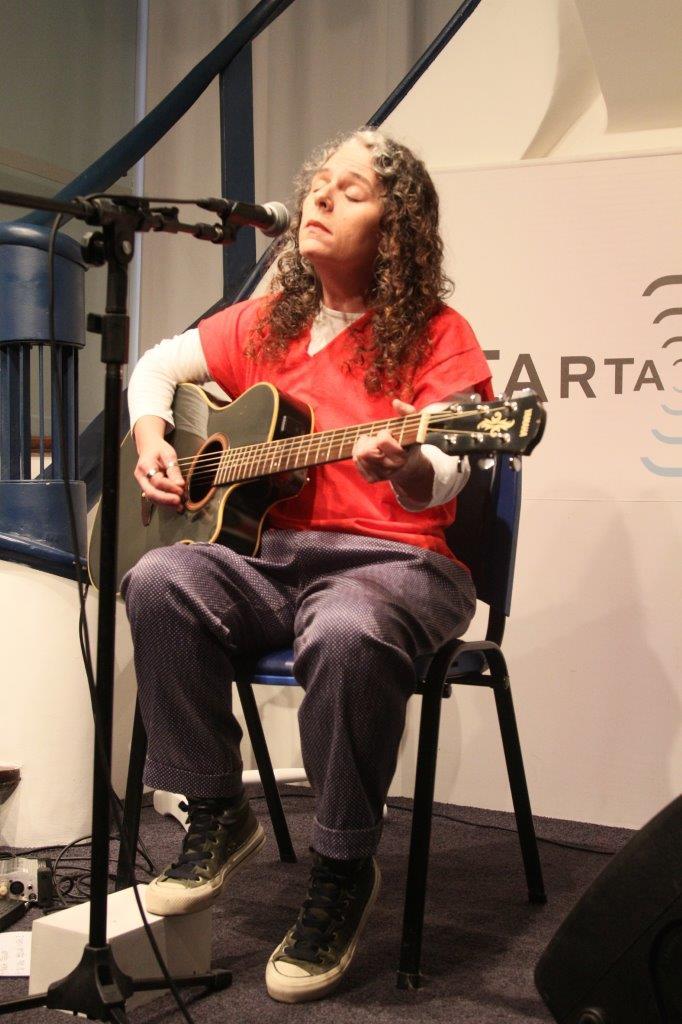 Luciana Costa apresenta Baladas por si | Fotos: Igor Sperotto
