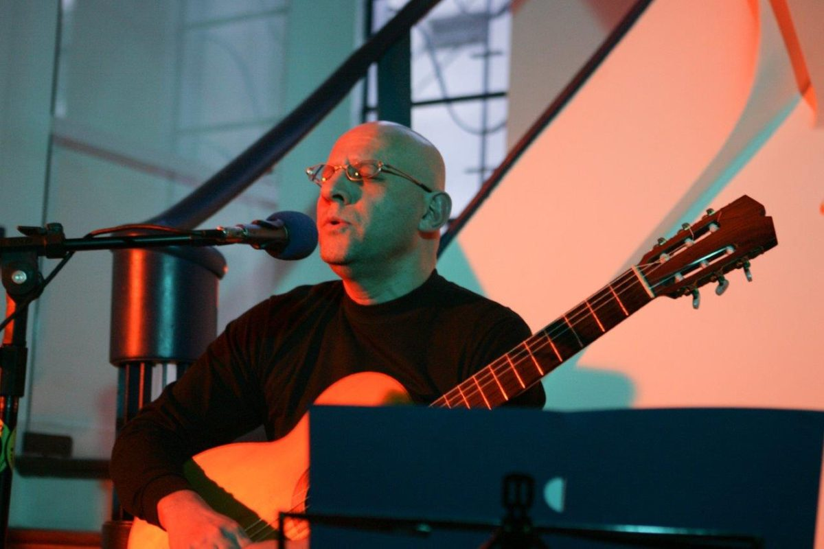 Felipe Azevedo – Violão com voz * | Fotos: Rene Cabrales