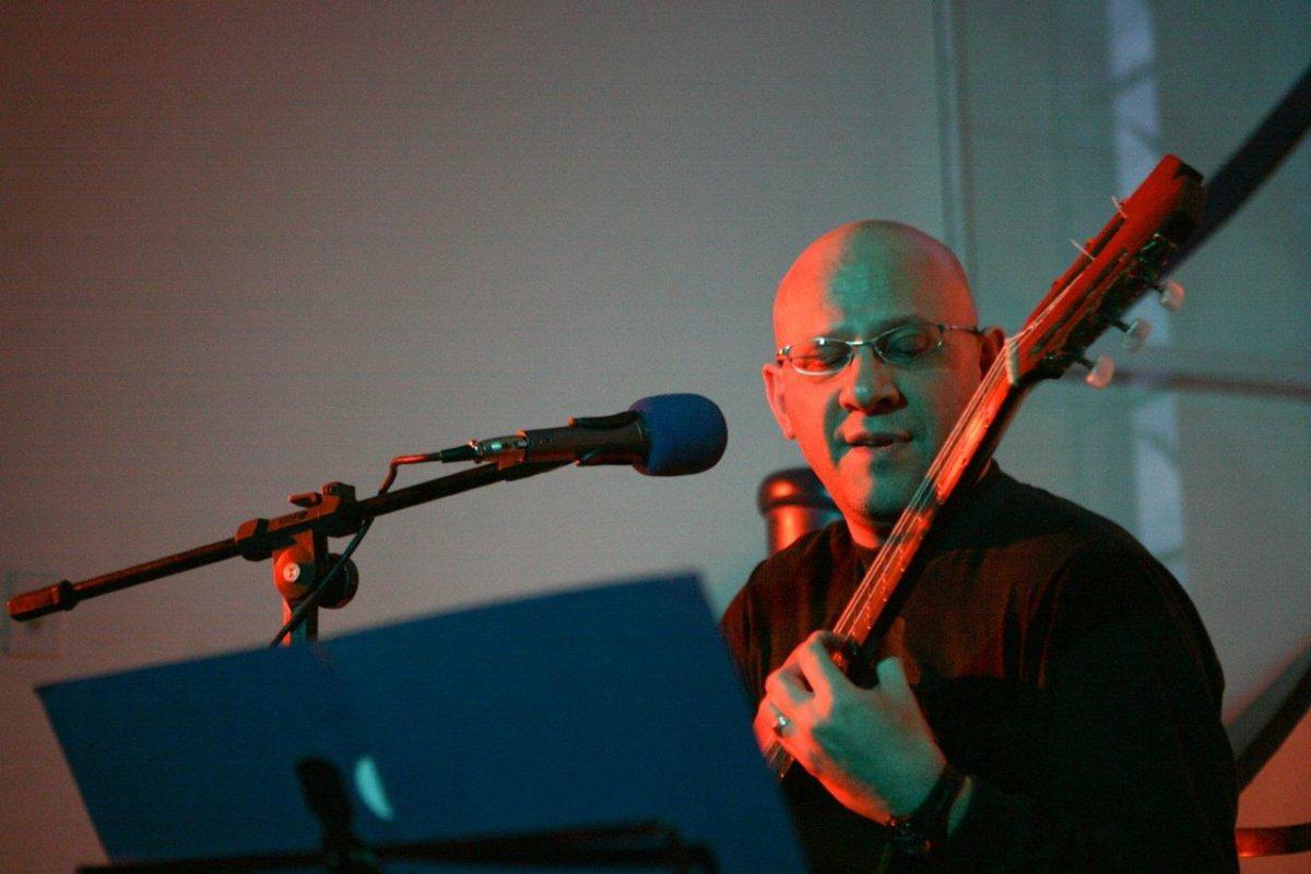 Felipe Azevedo – Violão com voz * | Foto: Rene Cabrales