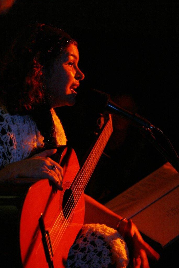 Karine Cunha canta Clara Dor | Fotos: Rene Cabrales