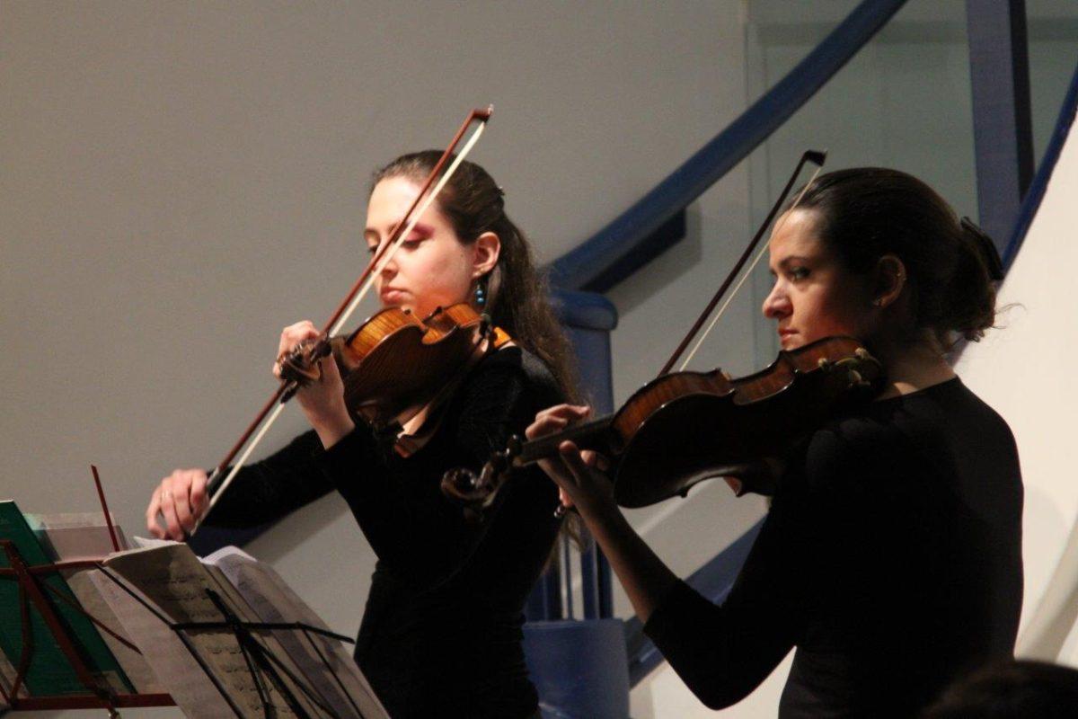 Paula Bujes e Brigitta Calloni em Recital para dois violinos | Fotos:Igor Sperotto