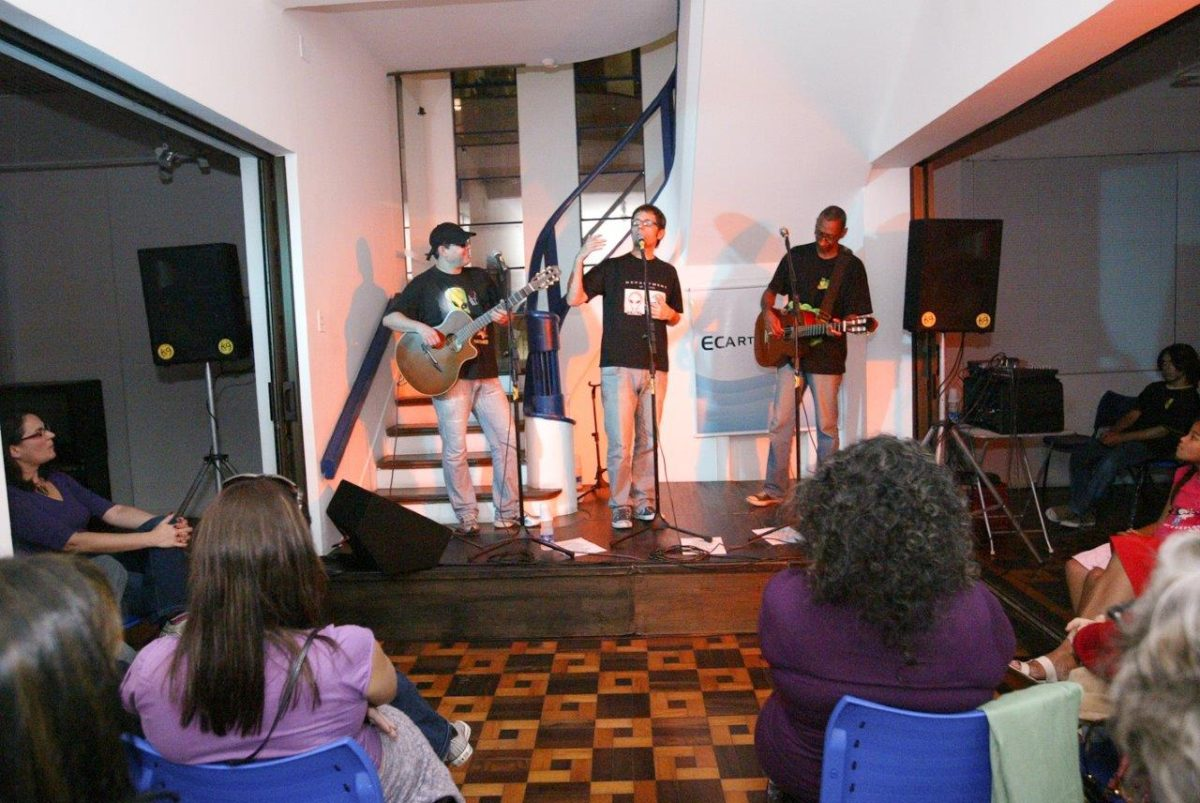 Os poETs apresentaram uma divertida mistura de música e poesia | Fotos: Rene Cabrales