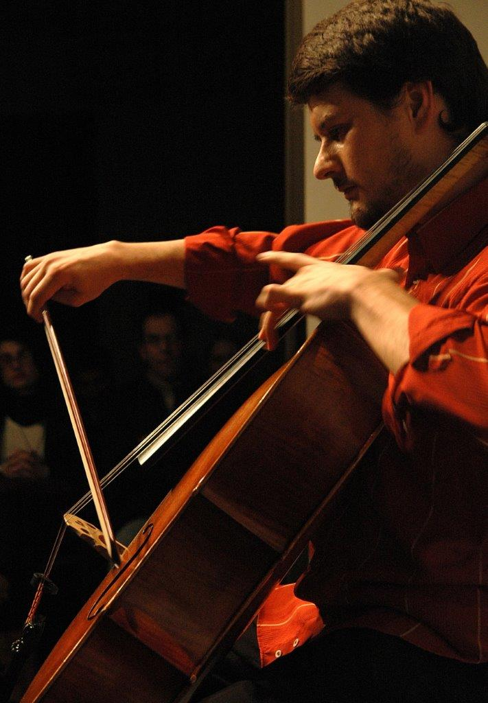 Pedro Huff – Um Violoncelo na Garoa   Fotos:Igor Sperotto