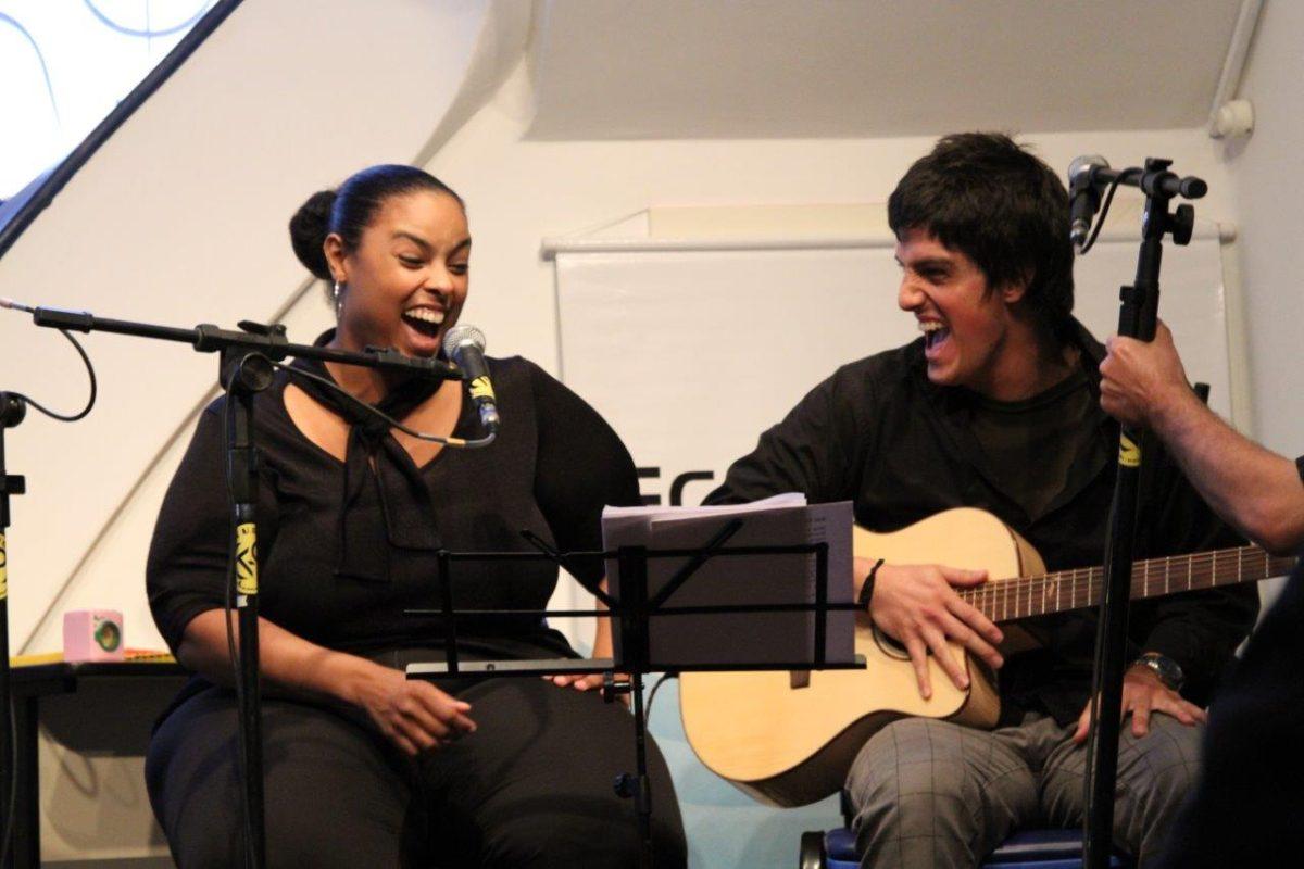 Andrea Cavalheiro e Guiza Ribeiro em Tributo aos Beatles | Fotos:Igor Sperotto