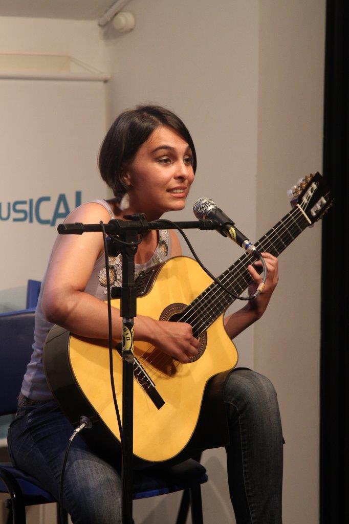 Bianca Obino Violão e Voz | Fotos:Igor Sperotto