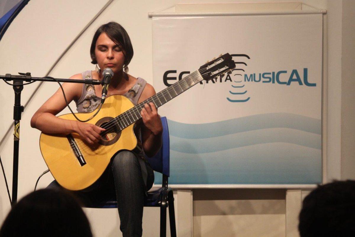 Bianca Obino Violão e Voz | Foto:Igor Sperotto