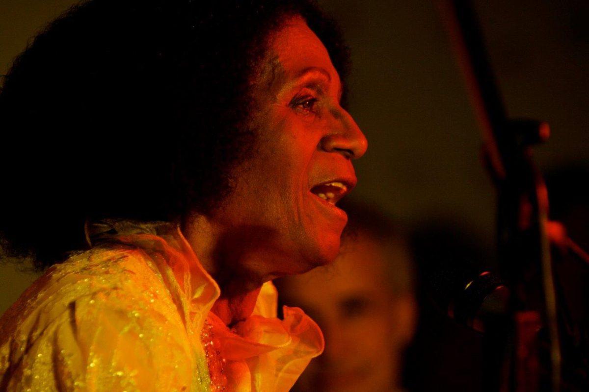 Zilah Machado canta e conta | Fotos: Rene Cabrales