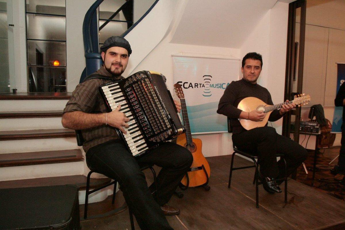 Samuel Negrinho e Antonyo Rycardo no show Evocações e Vibrações | Fotos: Thais Brandão
