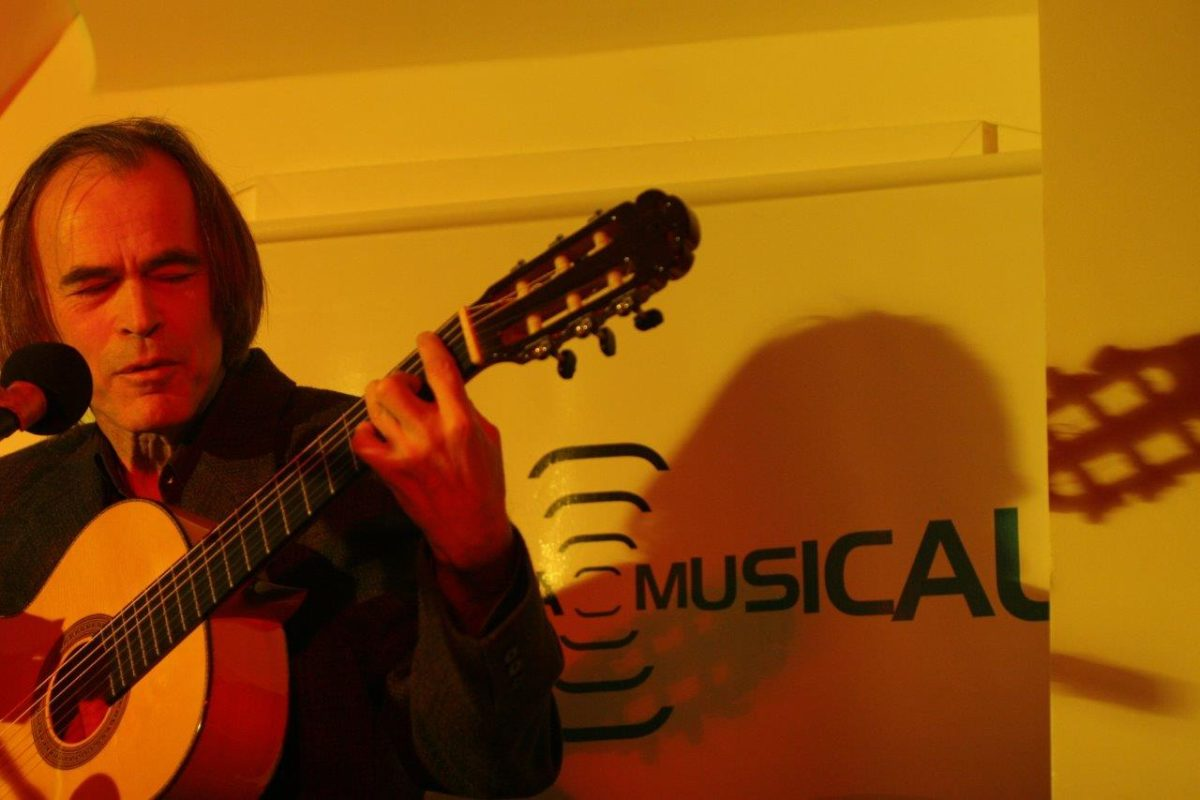 José Rogério Licks - Música instrumental e MPB | Fotos: Tânia Meinerz