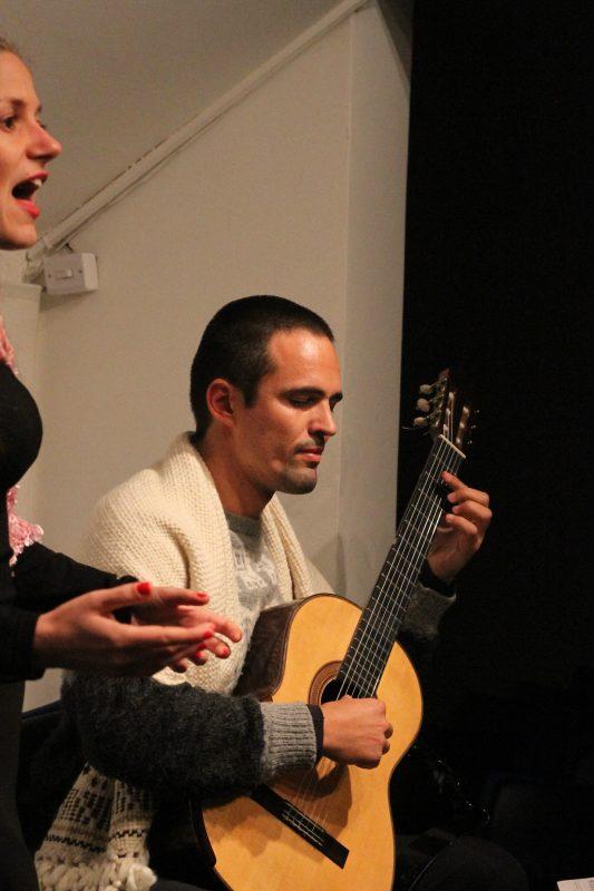 Andiara Mumbache (soprano) e Marcel Estivalet (violão) | Foto: Igor Sperotto