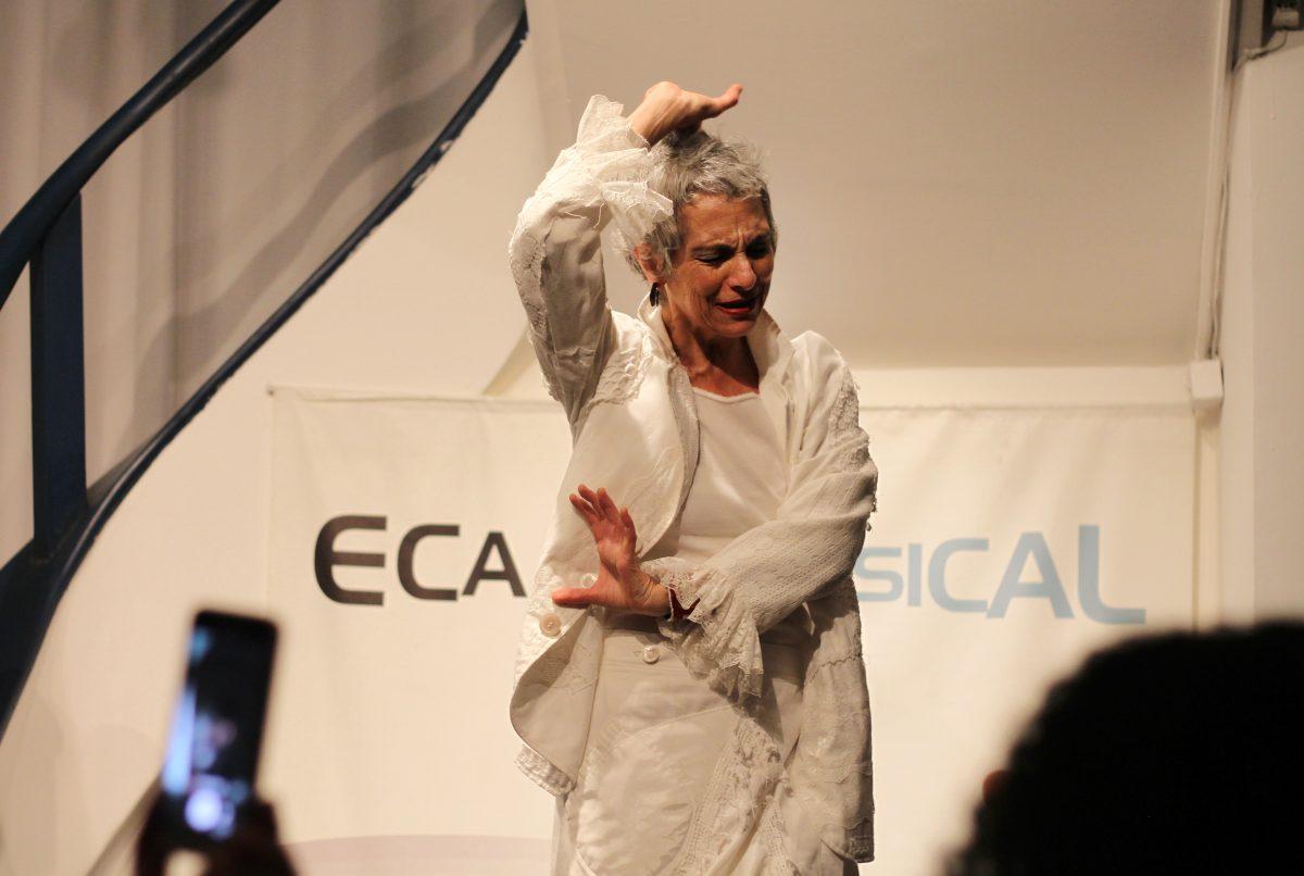 Deborah Finocchiaro em Palavra de Bolso | Foto: Igor Sperotto