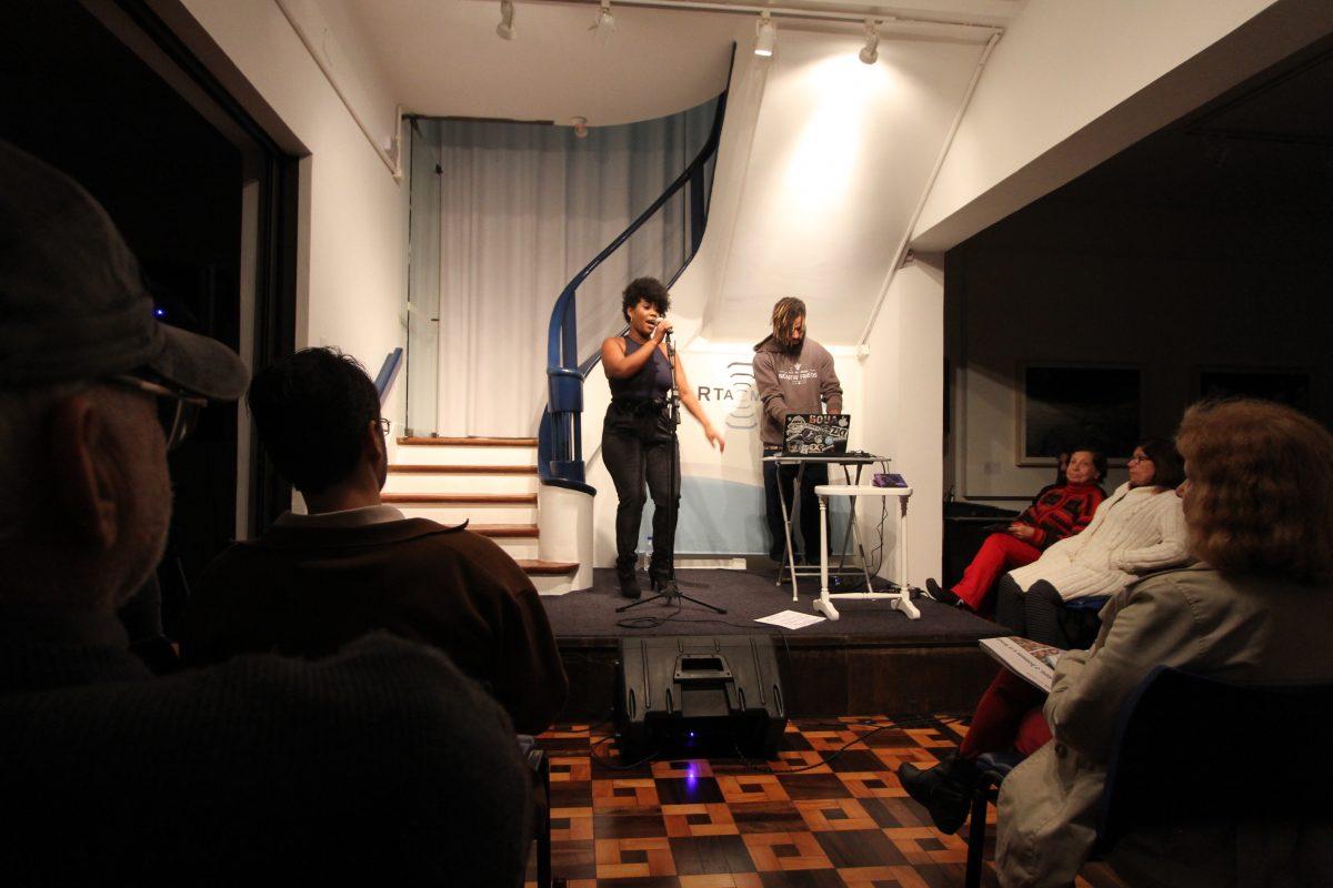 Negra Jaque em Deus que Dança | Foto: Igor Sperotto