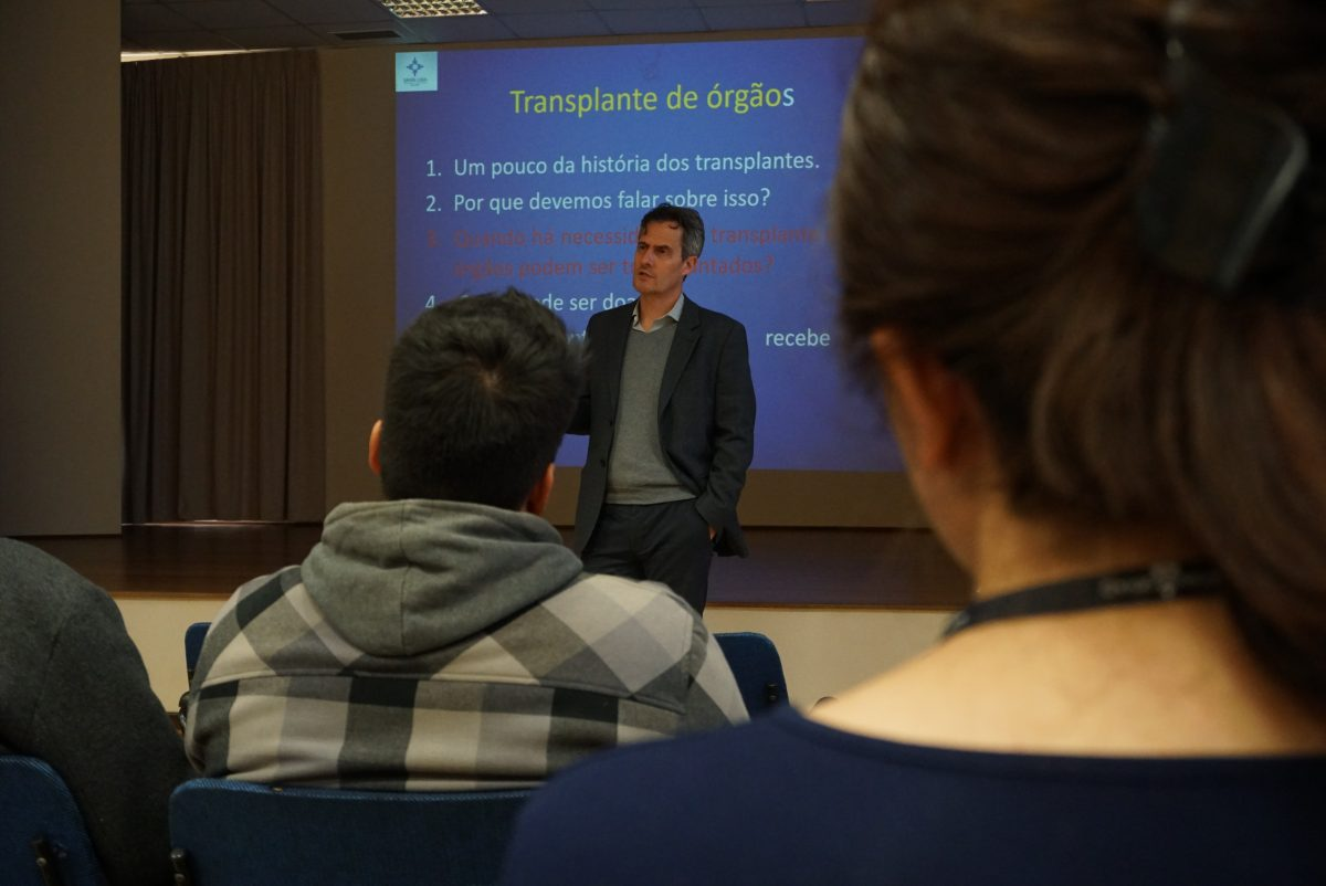 Cultura Doadora no Colégio Anchieta, de Porto Alegre – médico parceiro do projeto, Dr. Spencer Camargo | Foto: Igor Sperotto